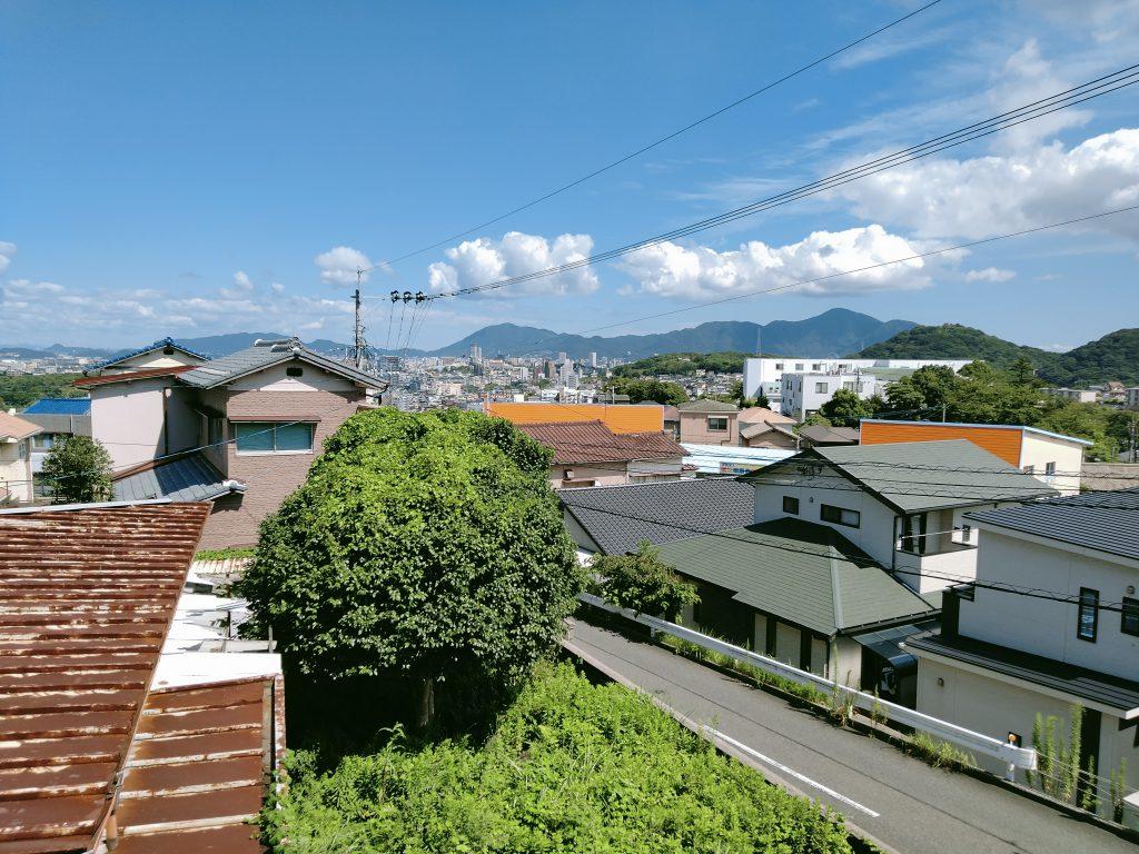 2階から門司・小倉方面の眺望。高台なので景色がとても良いです