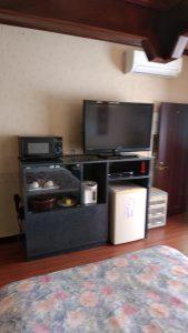 テレビ、冷蔵庫、ポット、電子レンジ備え付き