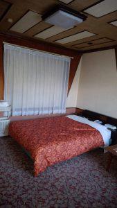 大きなベッドでゆっくり休息